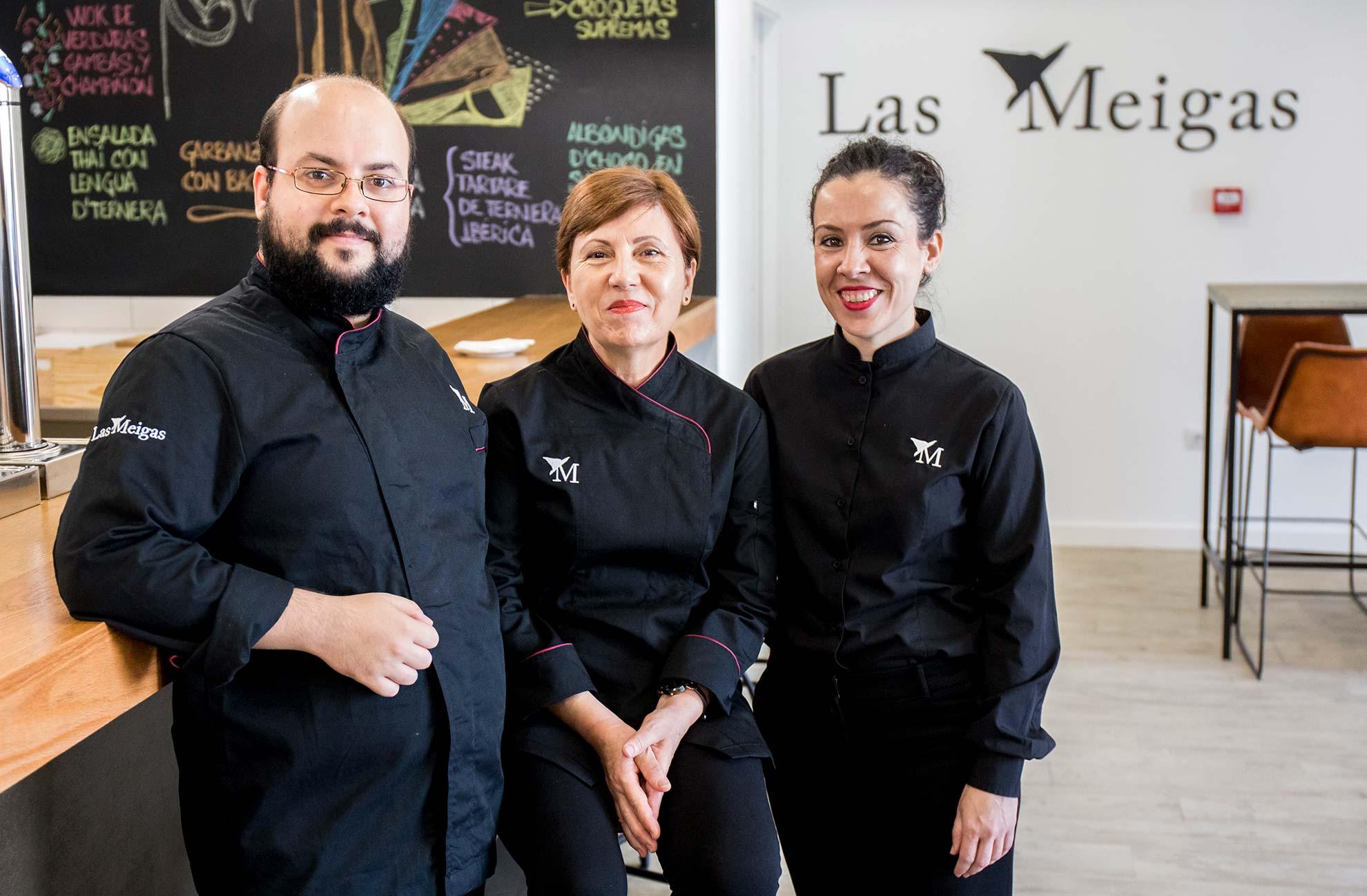 Equipo de Las Meigas, restaurante en Huelva, con Eduardo Míguez la cabeza.