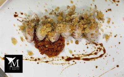 Almendritas, chorizo picante de castillejos y pestiños